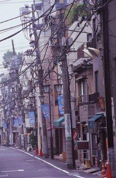 品川宿下町の電線.JPG